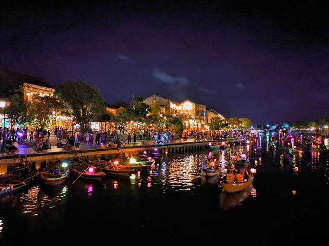 leading nightlife pedestrian streets nationwide hinh 9