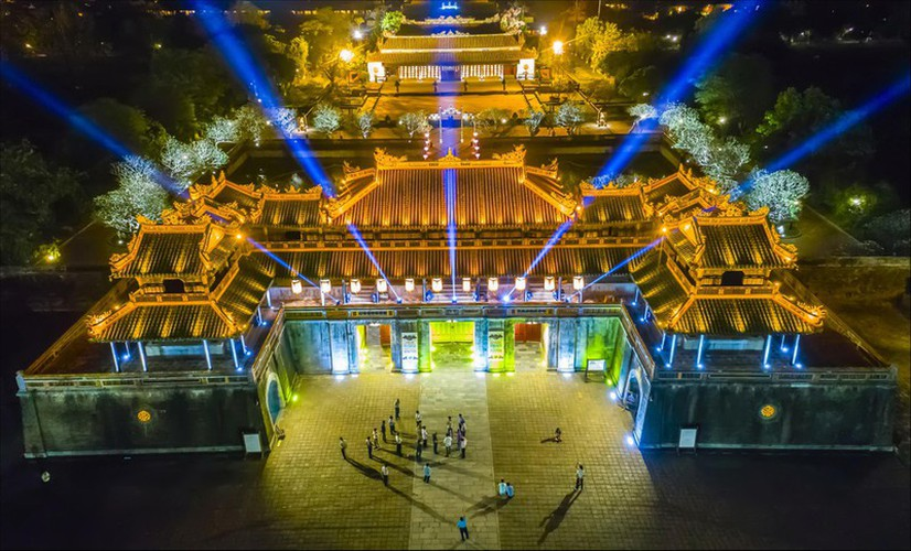 hue at night offers unforgettable experience for travelers hinh 12
