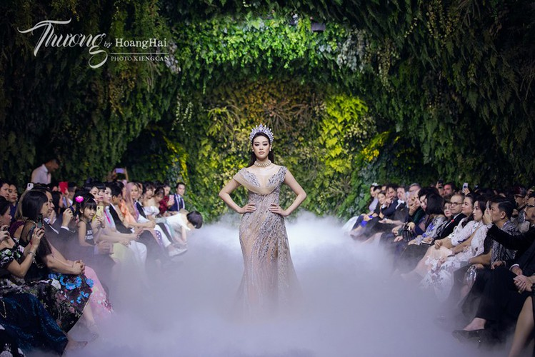 beauty queens gather for fashion show by designer hoang hai hinh 1