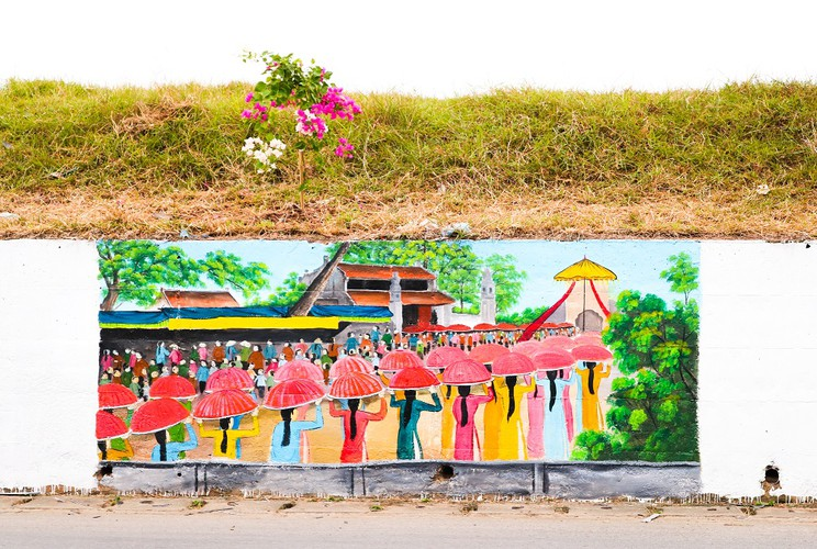 fascinating murals on show in hanoi hinh 13