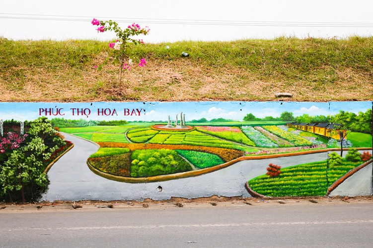 fascinating murals on show in hanoi hinh 16