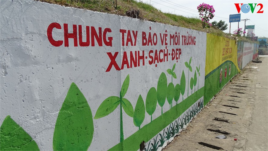 fascinating murals on show in hanoi hinh 5