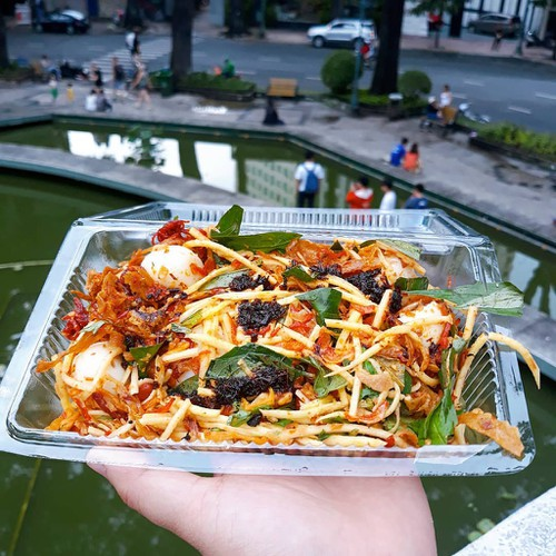 top suggestions for cheap street food in ho chi minh city hinh 1