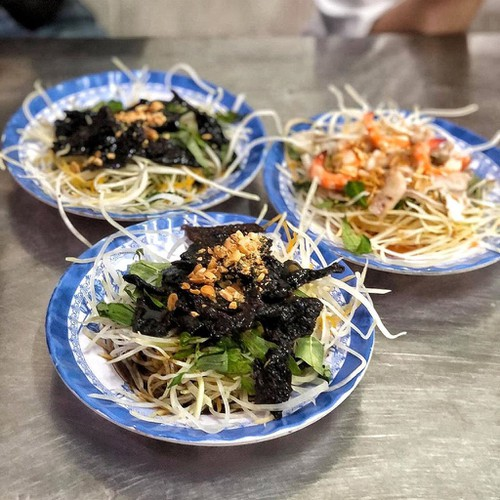 top suggestions for cheap street food in ho chi minh city hinh 2