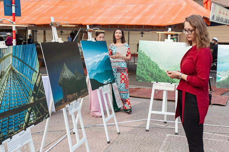 photo exhibition opens door to colombia hinh 6