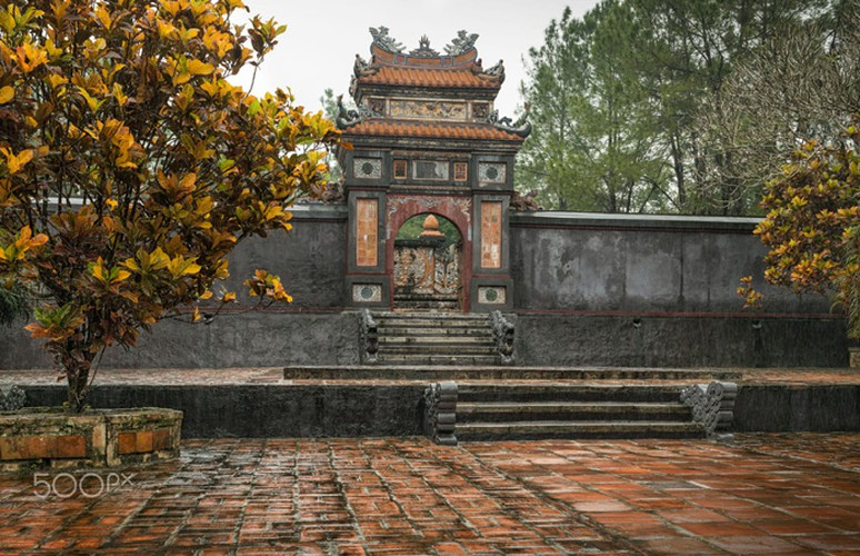 classical beauty of tu duc tomb as captured by foreigners hinh 9