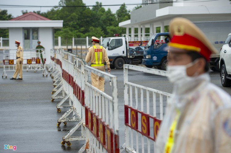 checkpoints rolled out across da nang to halt spread of covid-19 hinh 1