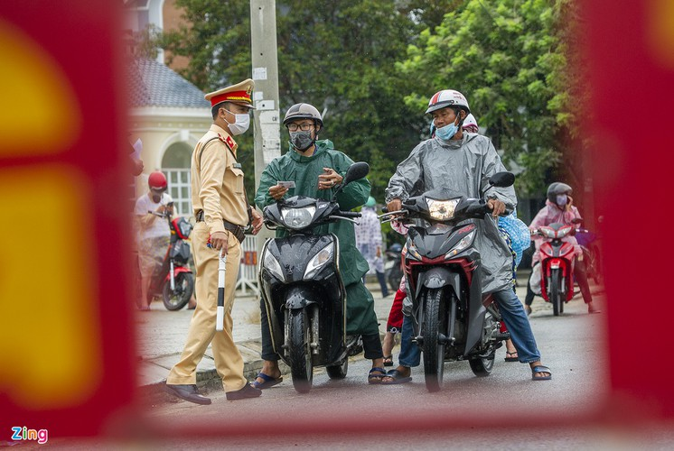 checkpoints rolled out across da nang to halt spread of covid-19 hinh 3