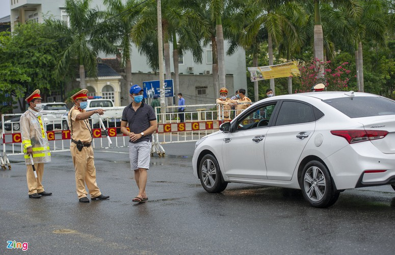 checkpoints rolled out across da nang to halt spread of covid-19 hinh 4