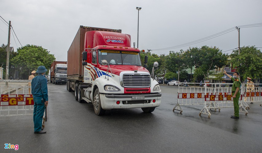 checkpoints rolled out across da nang to halt spread of covid-19 hinh 8