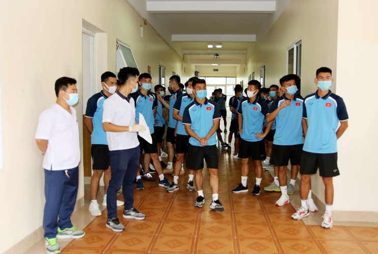 coach park and his players undergo covid-19 tests hinh 1