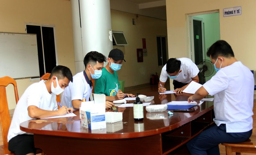 coach park and his players undergo covid-19 tests hinh 4