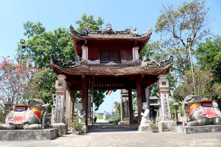 an insight into a century-old temple in nghe an hinh 1