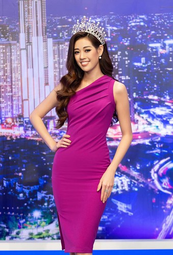 leading costume designs for khanh van at miss universe announced hinh 9