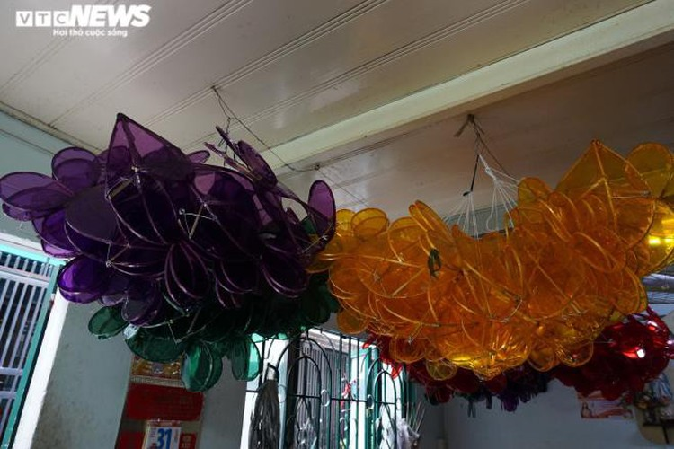 lantern making village in hcm city quiet ahead of mid-autumn festival hinh 4
