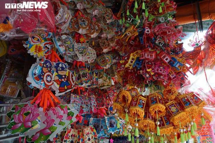 lantern making village in hcm city quiet ahead of mid-autumn festival hinh 7