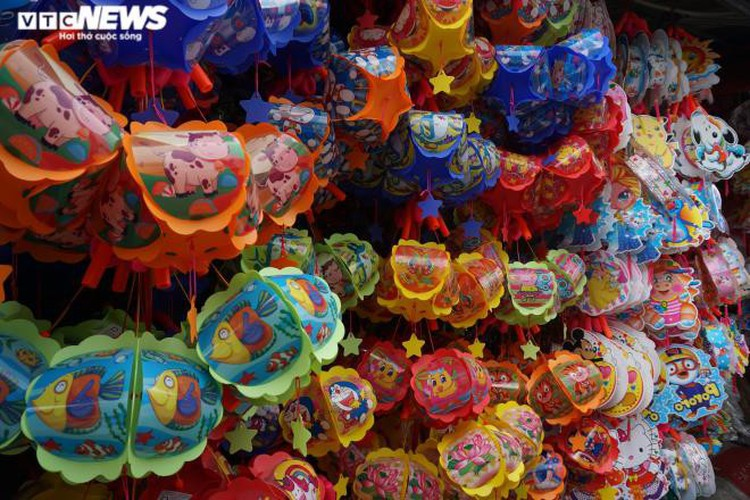 lantern making village in hcm city quiet ahead of mid-autumn festival hinh 9