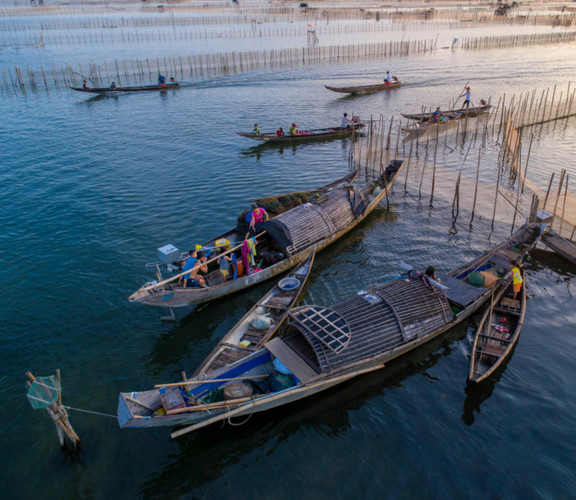 discovering magnificent sunrise of chuon lagoon in thua thien hue hinh 7