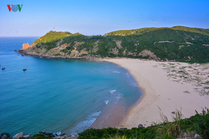 discovering stunning natural landscapes of phu yen in summer hinh 5