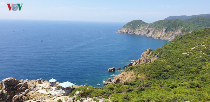 discovering stunning landscapes of binh dinh and phu yen hinh 1