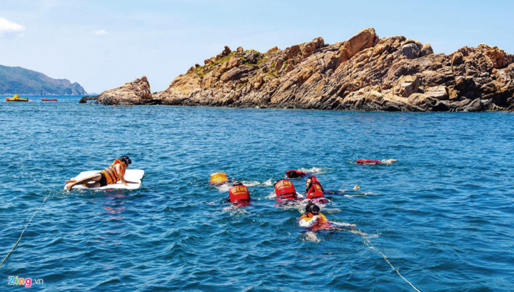 discovering underwater sea path of quy nhon hinh 7