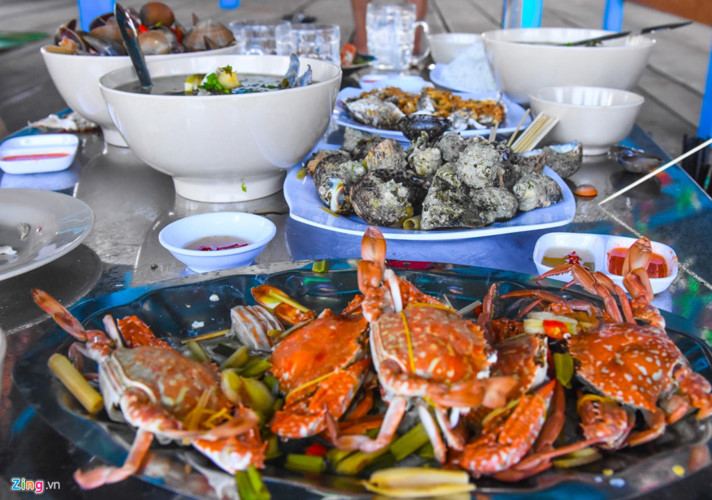 discovering underwater sea path of quy nhon hinh 9