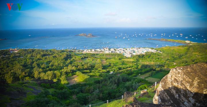 exploring stunning sunrise of phu quy island hinh 13