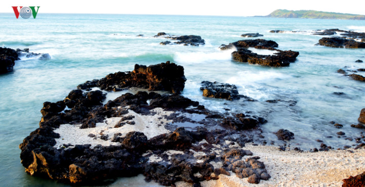 exploring stunning sunrise of phu quy island hinh 6