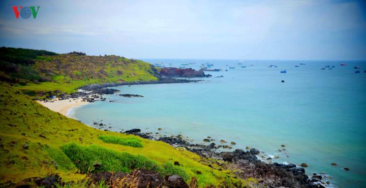 exploring stunning sunrise of phu quy island hinh 8