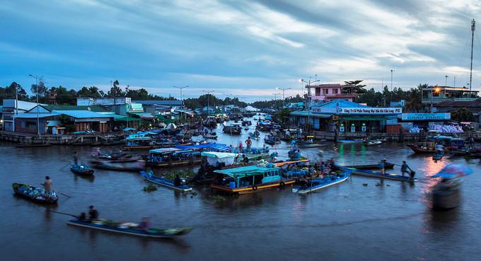 exploring popular nga nam floating market in western region hinh 2