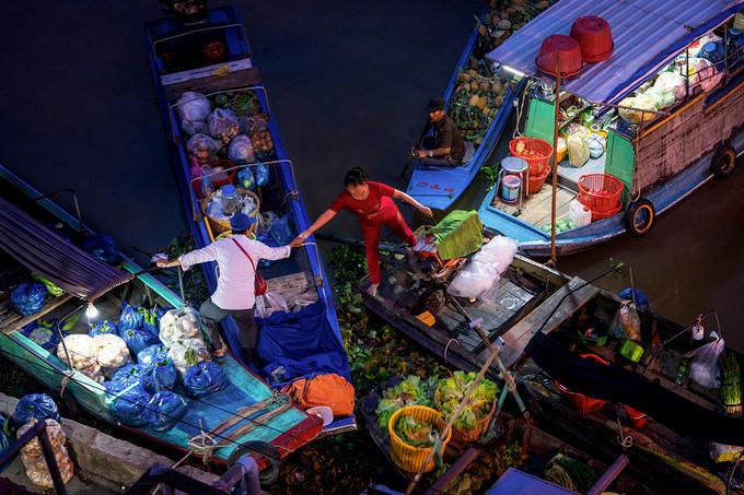 exploring popular nga nam floating market in western region hinh 3