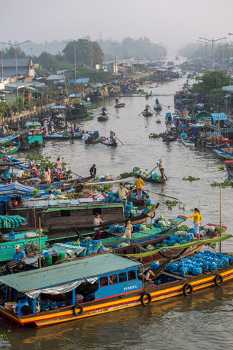 exploring popular nga nam floating market in western region hinh 4