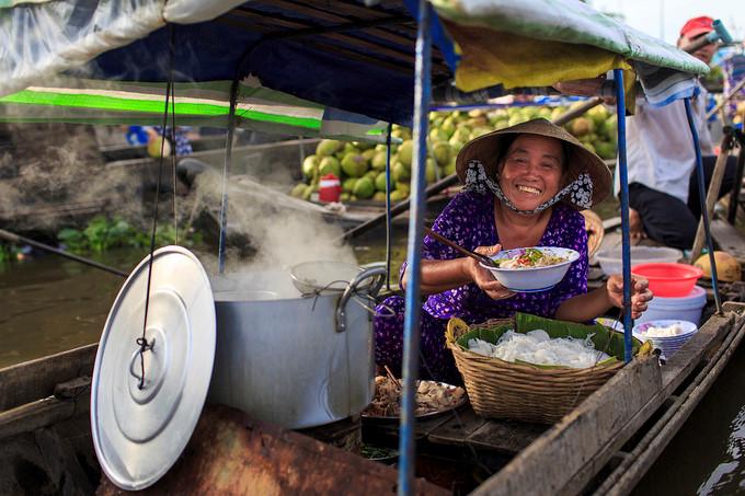 exploring popular nga nam floating market in western region hinh 6