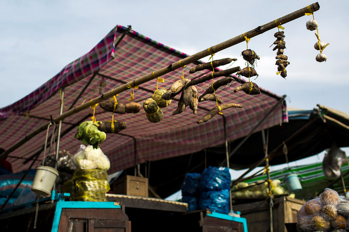 exploring popular nga nam floating market in western region hinh 7