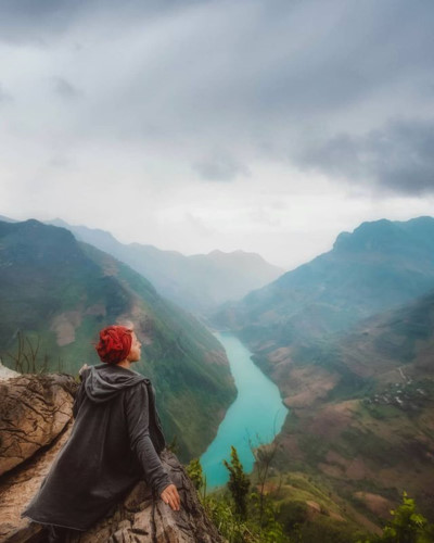 exploring southeast asia's deepest canyon located in ha giang hinh 2