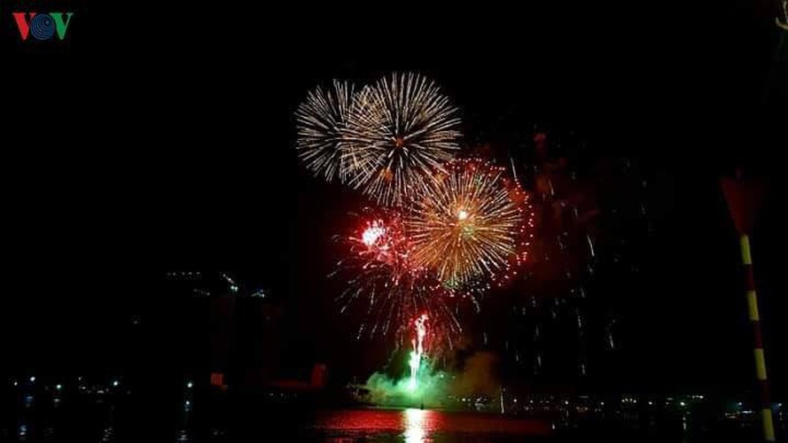 people throughout vietnam start 2020 with joyous celebrations hinh 8