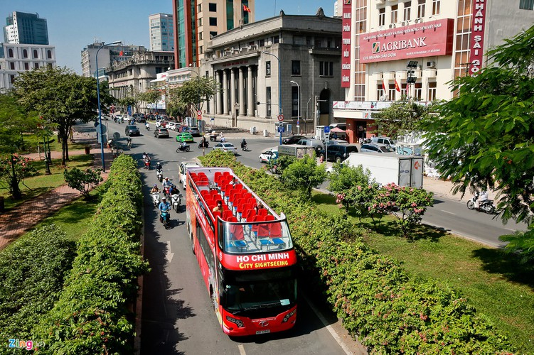 double-decker bus services officially come into operation in hcmc hinh 1