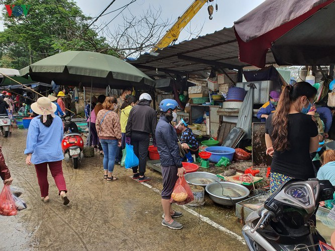 hanoi tests market traders for covid-19 hinh 11