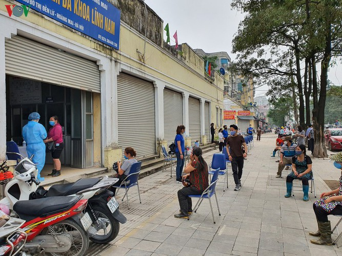 hanoi tests market traders for covid-19 hinh 13