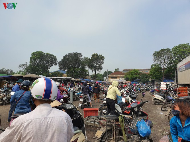 hanoi tests market traders for covid-19 hinh 5