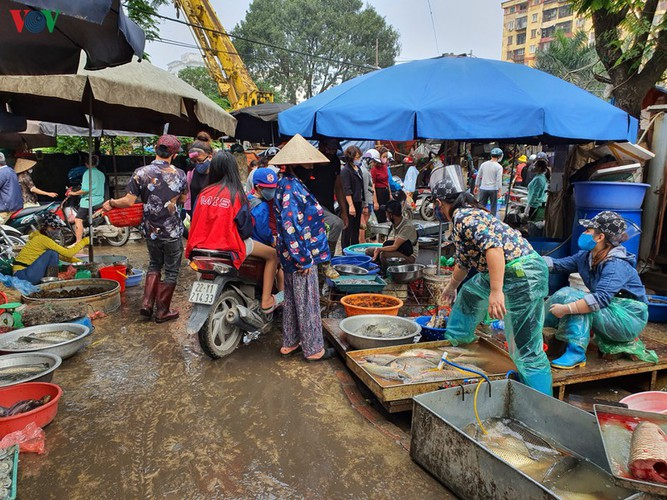 hanoi tests market traders for covid-19 hinh 7