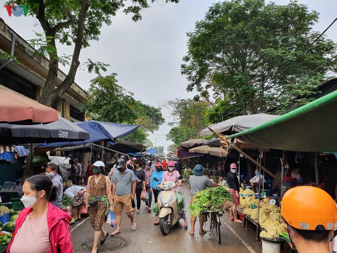 hanoi tests market traders for covid-19 hinh 8