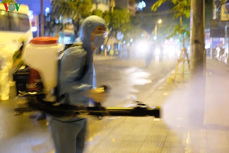 military forces disinfect da nang coronavirus hotspot hinh 4