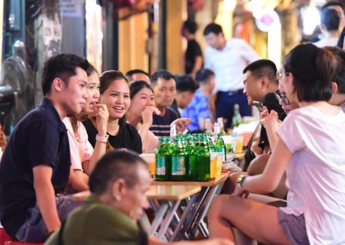 businesses in hanoi's old quarter shutdown amid covid-19 fears hinh 2