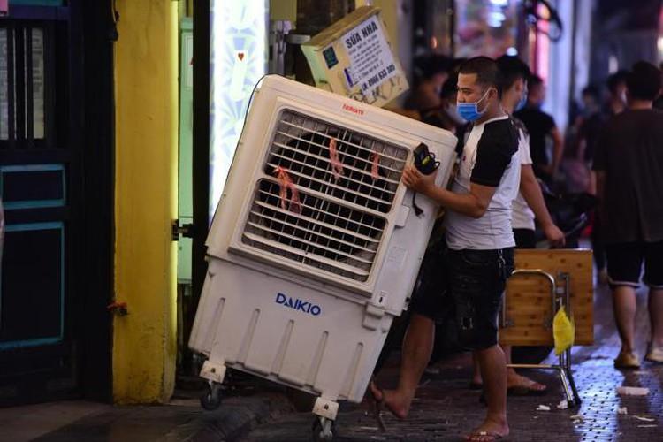 businesses in hanoi's old quarter shutdown amid covid-19 fears hinh 6