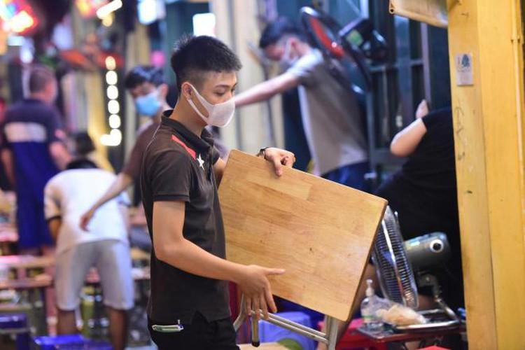 businesses in hanoi's old quarter shutdown amid covid-19 fears hinh 7