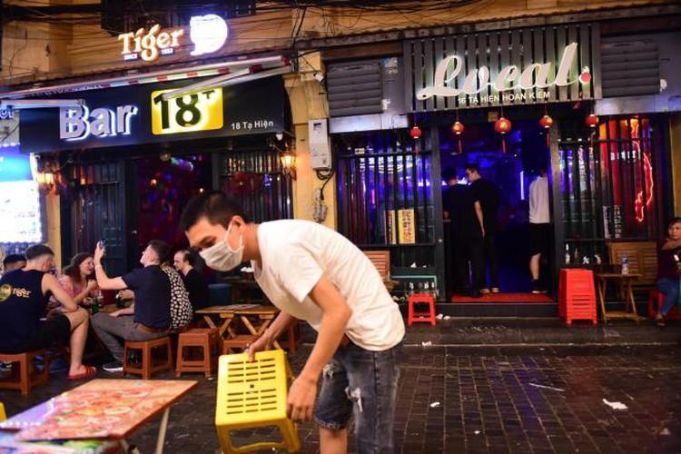 businesses in hanoi's old quarter shutdown amid covid-19 fears hinh 8