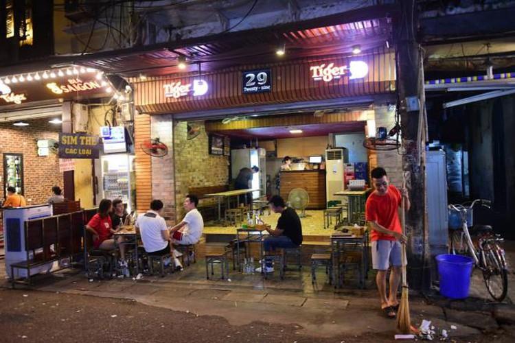 businesses in hanoi's old quarter shutdown amid covid-19 fears hinh 9