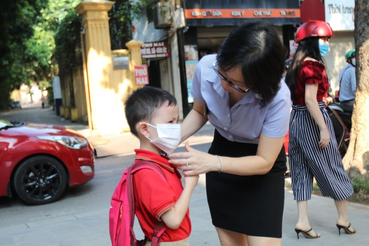 students in hanoi head back to school on september 1 hinh 3
