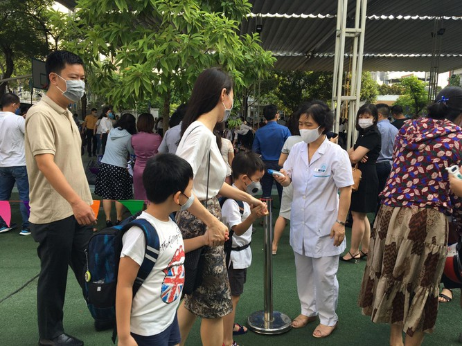 students in hanoi head back to school on september 1 hinh 4